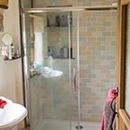 ensuite cottage bathroom